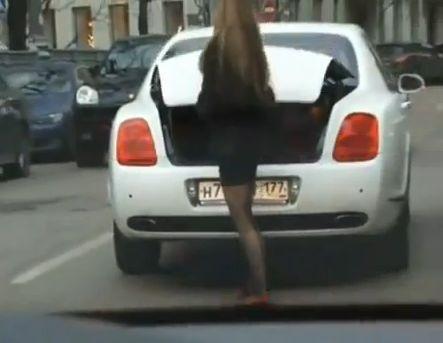 Женщина за рулем: на что обратить внимание